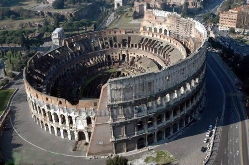 Colosseo-Anfiteatro-Flavio-1
